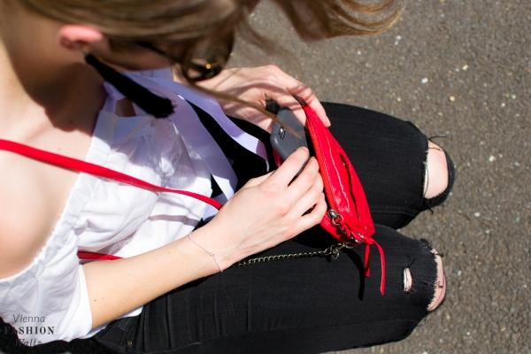 Lifestyleblog Wien Österreich www.viennafashionwaltz.com off shoulder bluse diy tassel ohrringe (9 von 23)